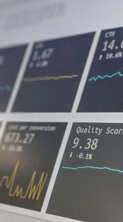 Software Entwicklung Digitale Statistiken auf Bildschirm